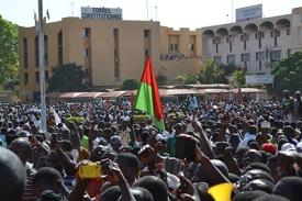 SAWADOGO_Le pouvoir appartient au peuple_2014